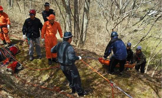 山岳遭難救助活動 山岳遭難対策   奈良県警察本部 HOME くらしの安全 地域警察 山岳遭難・